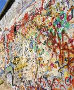 berlin-wall_graffiti.jpg