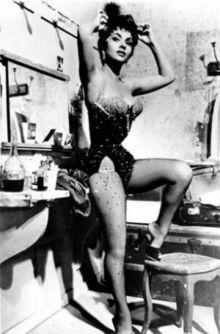 220px-Gina_Lollobrigida_Italian_Actress.jpg